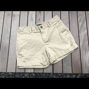 BANANA REPUBLIC | Tan Shorts